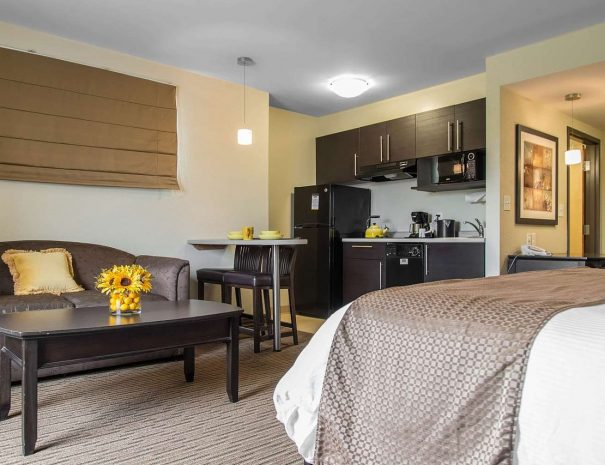 spacious-guest-room